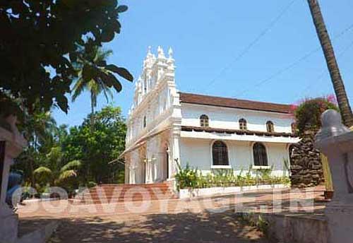 goa-beach-arambol-church
