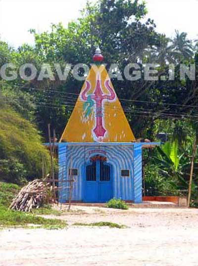 goa-beach-arambol-hindu-temple