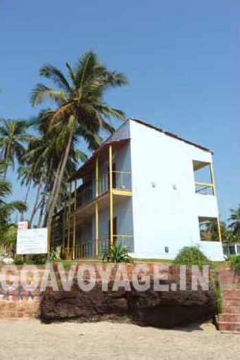 tourists accommodations in Ashwem beach north goa india