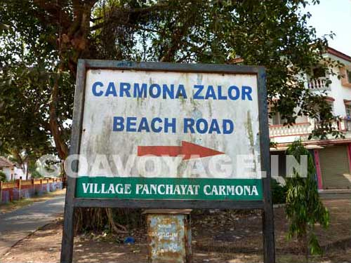 goa-beach-carmona-road-sign