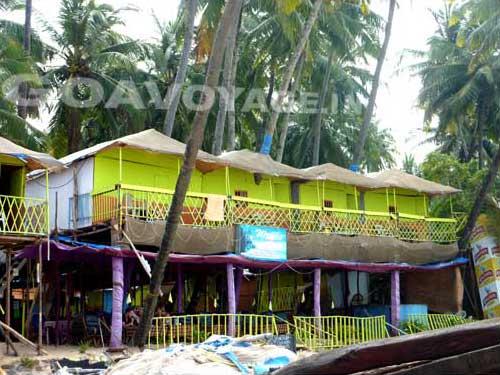 goa-beach-palolem-huts1