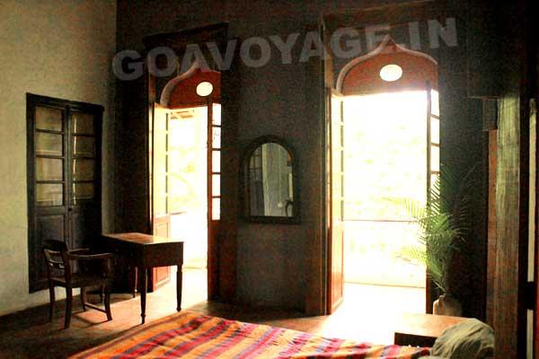 Portes donnant sur la véranda, Villa Clemente, Sud Goa, Inde